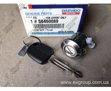Личинка замка крышки багажника с ключем